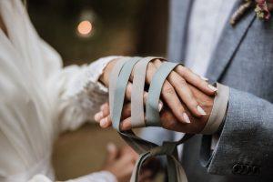 Boda de día, ceremonia atar manos